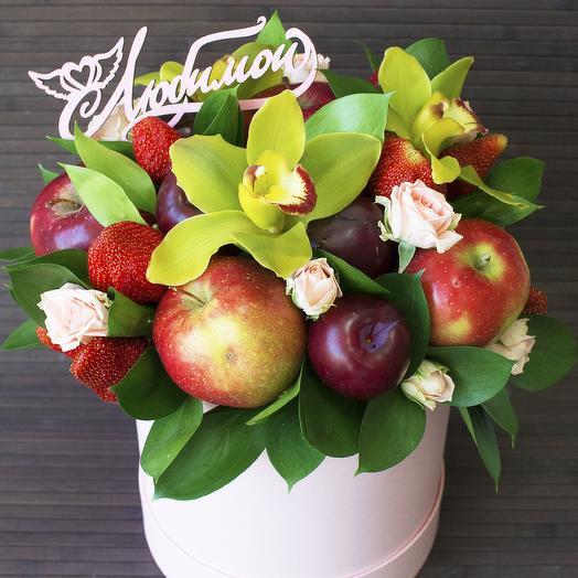 Фруктово-цветочная композиция: букеты цветов на заказ Flowwow