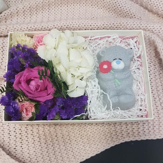 Мишка тедди: букеты цветов на заказ Flowwow