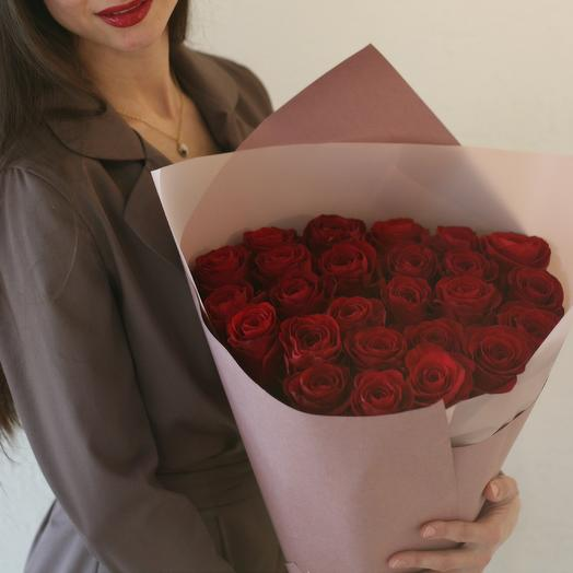 "Шикарный букет бордовых роз ""Шах и мат"" 25 шт: букеты цветов на заказ Flowwow"
