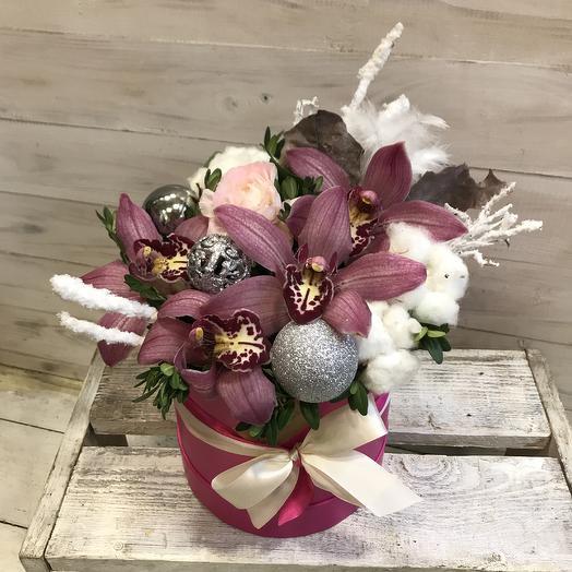 Стильная  зимняя коробочка: букеты цветов на заказ Flowwow
