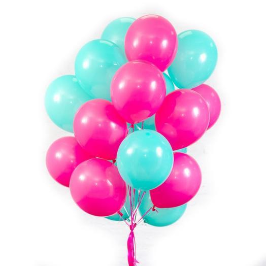 17 helium balloons