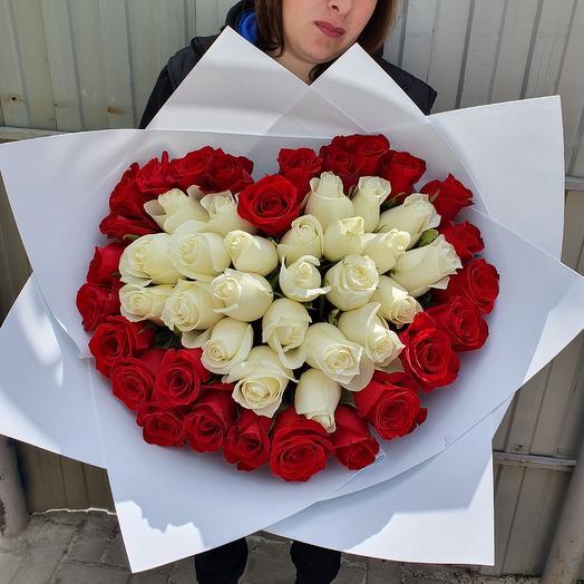 51 роза сердцем: букеты цветов на заказ Flowwow