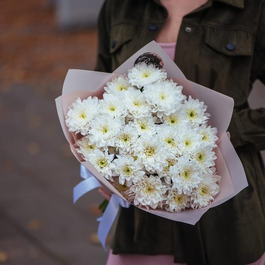 Букет из семи хризантем белой Балтики