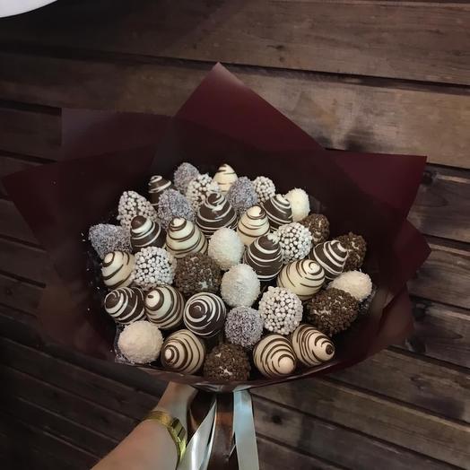 Клубничный букет М в шоколаде