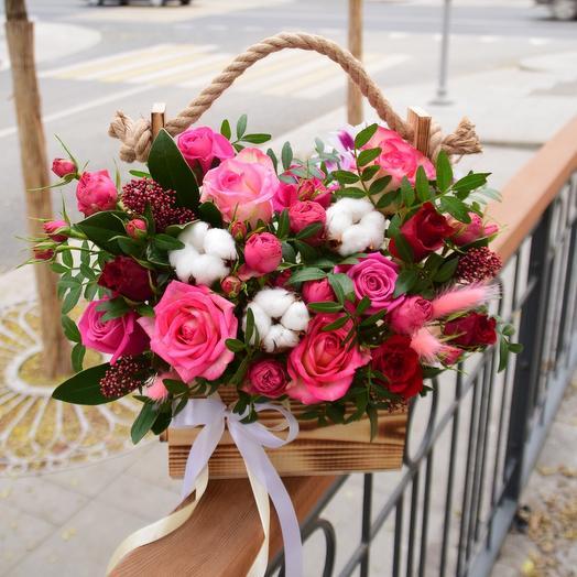 Цветы в деревянном кашпо Восхищение ️