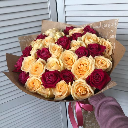 Букет из 35 роз в крафте