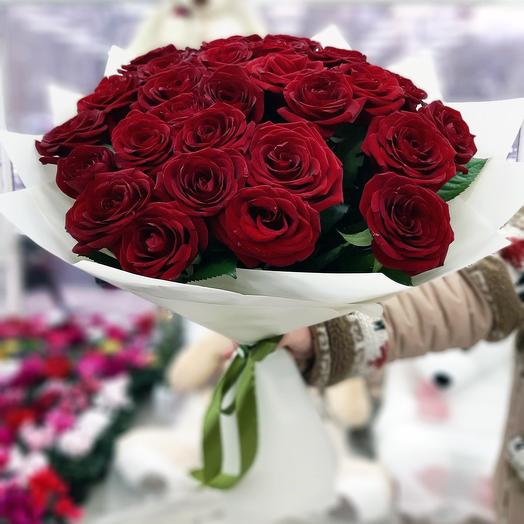Шикарные бордовые розы