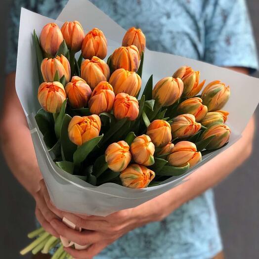 Букет из оранжевых Пионовидных тюльпанов