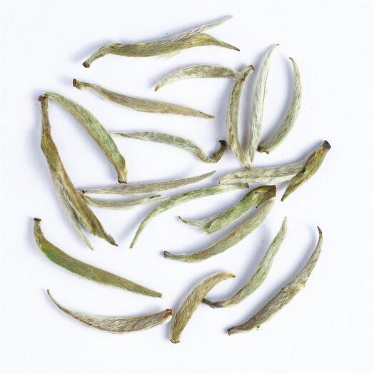 """Белый чай """"Бай Хао Инь Чжень 2019 г."""" (серебряные пики с белым ворсом) 20 гр"""