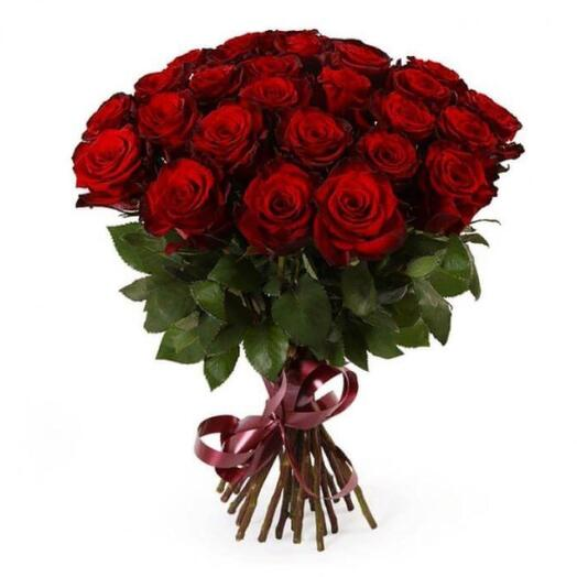 25 красных длинных роз