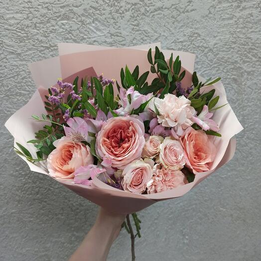 Нежность с пионовидными розами