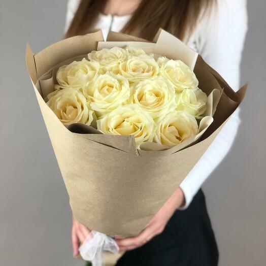 Букет из 11 белых роз (60 см)