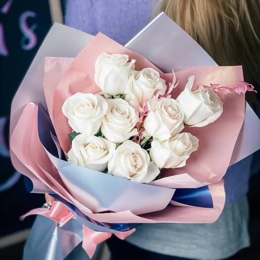 Классические белые розы