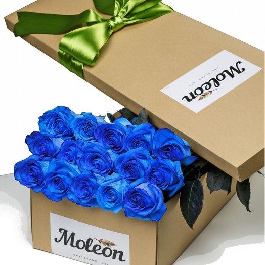 15 синих роз (70 см) в подарочной коробке