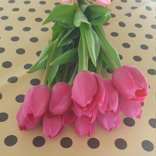 Букет из 10 розовых тюльпанов: букеты цветов на заказ Flowwow