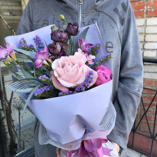 Букетик с фрезией: букеты цветов на заказ Flowwow