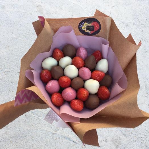 Букет из клубники  Сладкоежка: букеты цветов на заказ Flowwow