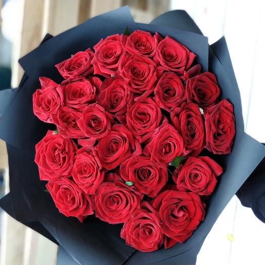 25 роз красных