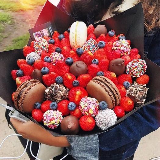 Клубничный букет «Мокка»: букеты цветов на заказ Flowwow