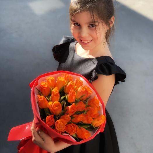 25 рыжих роз: букеты цветов на заказ Flowwow