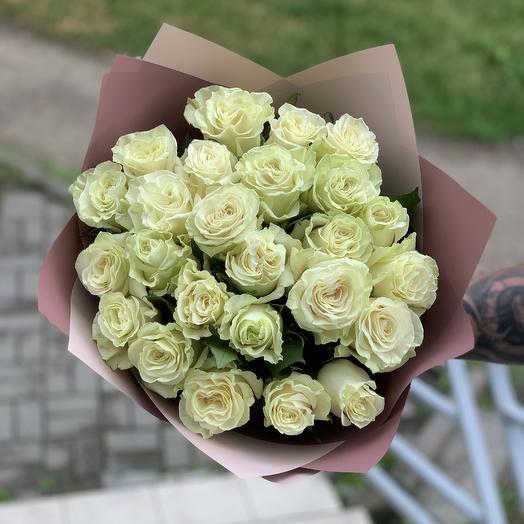✅ Букет 25 белых роз в дизайнерской упаковке
