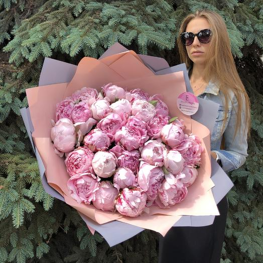 31 пион Сара Бернар: букеты цветов на заказ Flowwow