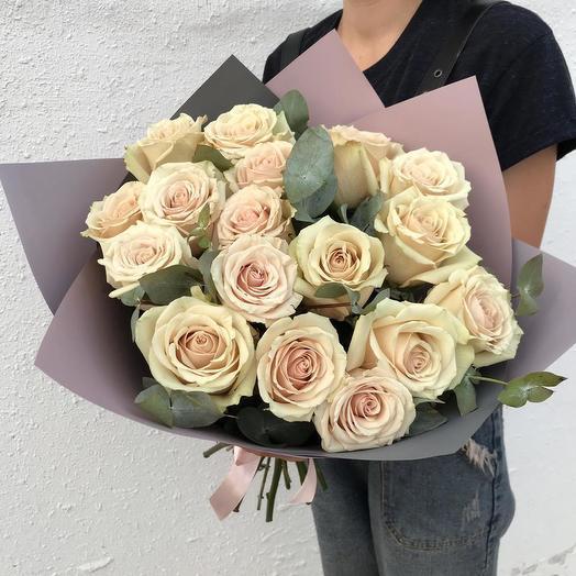 19 Роз в Стильной упаковке