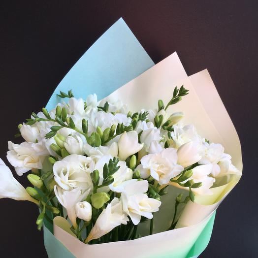 Букет Фрезия: букеты цветов на заказ Flowwow