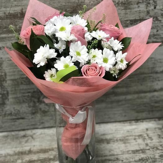 Букет с розовыми розами