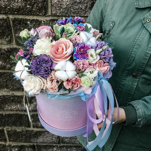 Космическая композиция в шляпной коробке: букеты цветов на заказ Flowwow