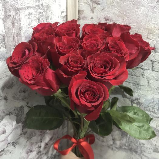 Букет 19 красных роз 50 см