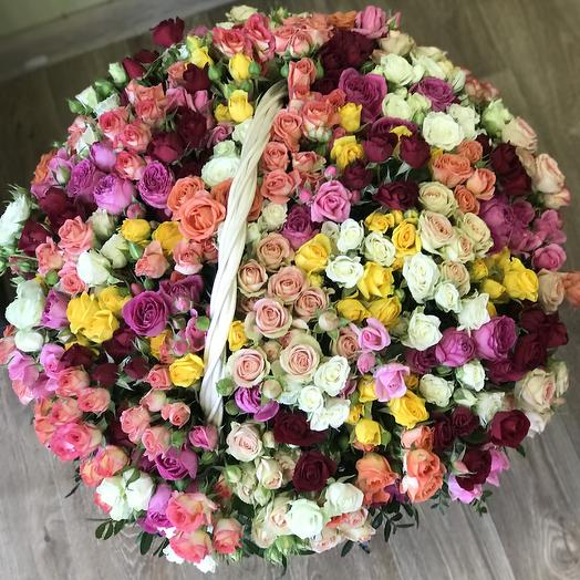 121 кустовая Роза в корзине