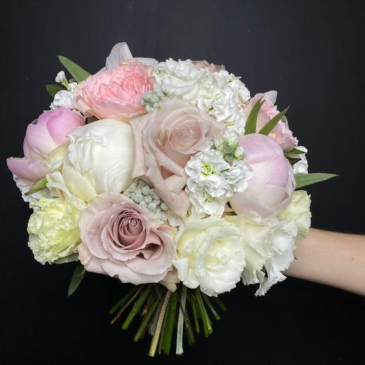 Нюдовый букет невесты