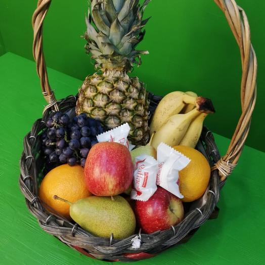 Сочный набор из свежих фруктов