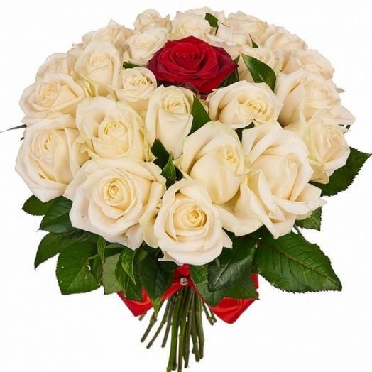 Букет Карнавал 27 роз