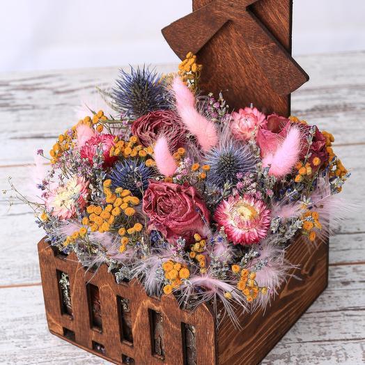 Мельница с сухоцветами