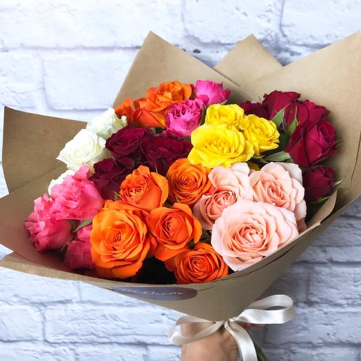 9 разноцветных кустовых роз 40 см