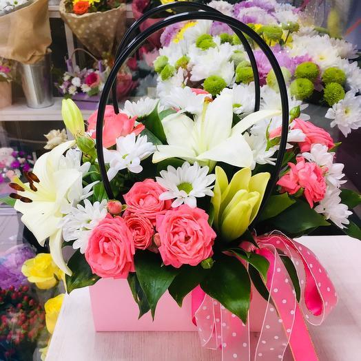 Цветы в большой сумочке