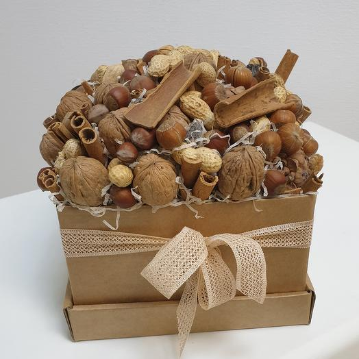 Коробка ореховая