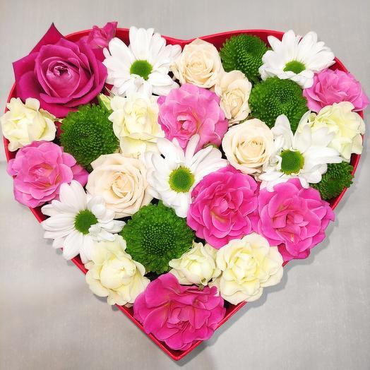 Композиция из цветов Love
