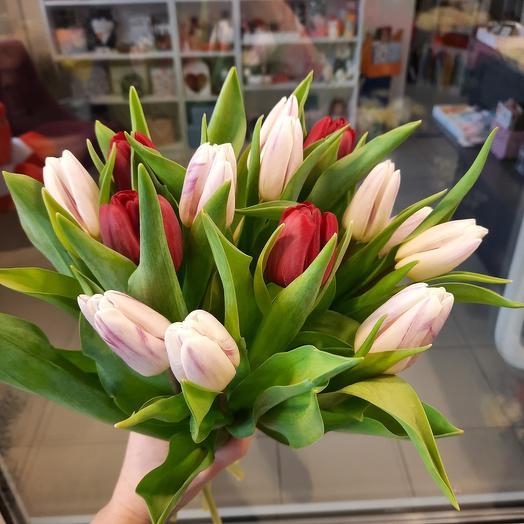 Букет нежных хрустящих тюльпанов