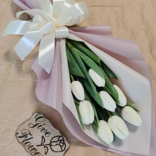 Корпоративный букет из 9 белых тюльпанов