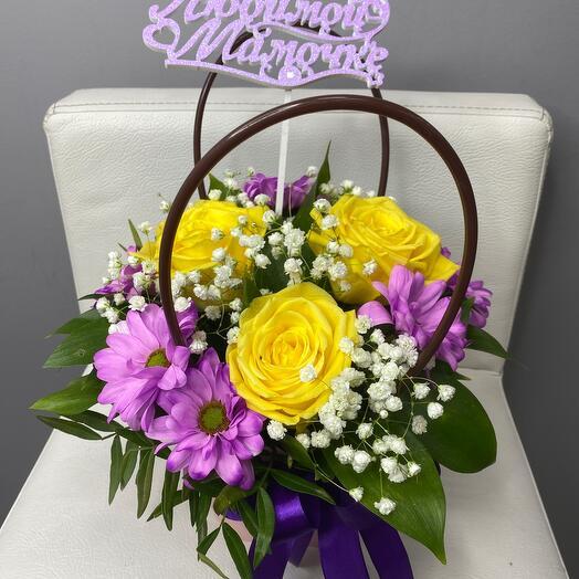 Цветы в коробке- любимой маме