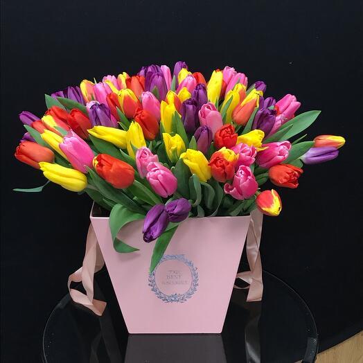 101 сочный тюльпан в коробке