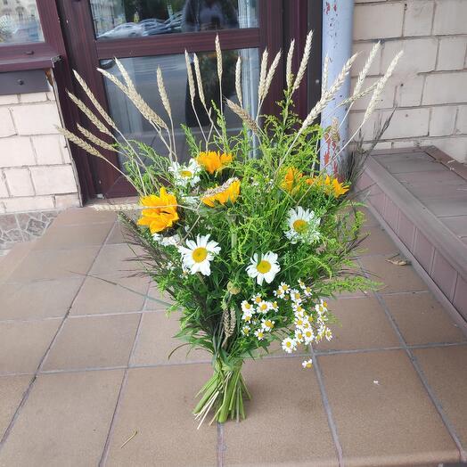 Полевой букет цветов