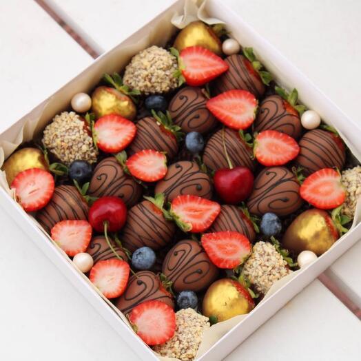 Набор классический из клубники в шоколаде