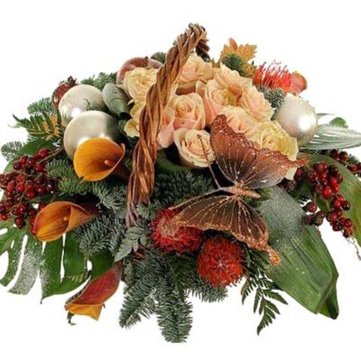 Новогодняя композиция Новогодний карнавал: букеты цветов на заказ Flowwow