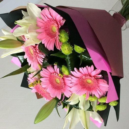 Букет из гербер и лилий: букеты цветов на заказ Flowwow