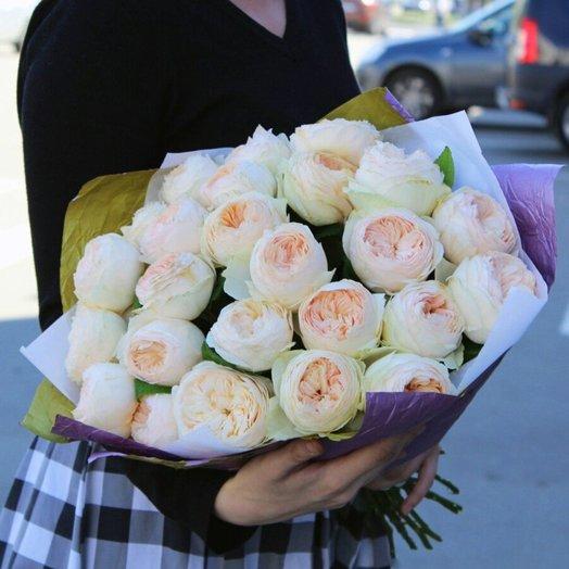 Букет нежнейших пионовидных роз