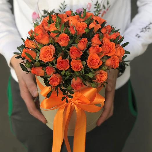 Коробки с цветами. Кустовые розы , оранжевые 15 шт. N247